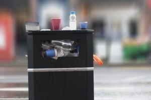 rubbish bin litter